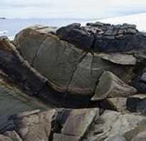 Магматические полезные ископаемые и осадочные